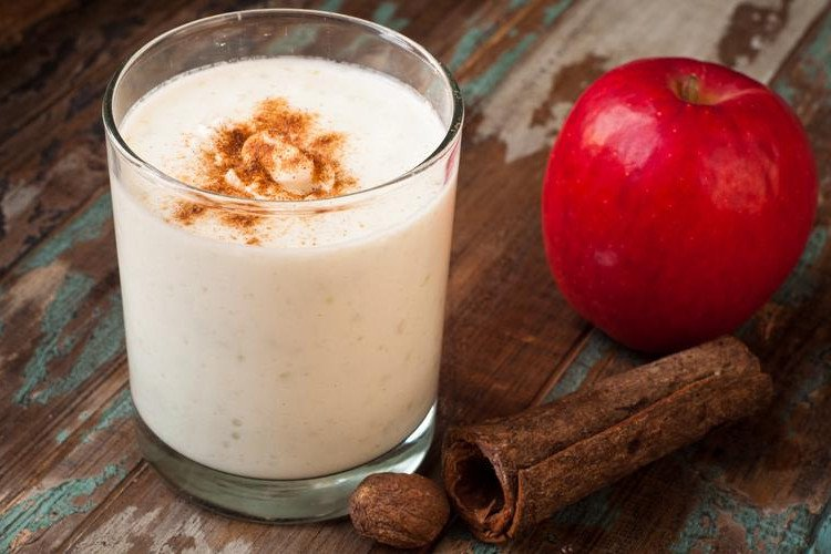 apple cinnamon coconut smoothie
