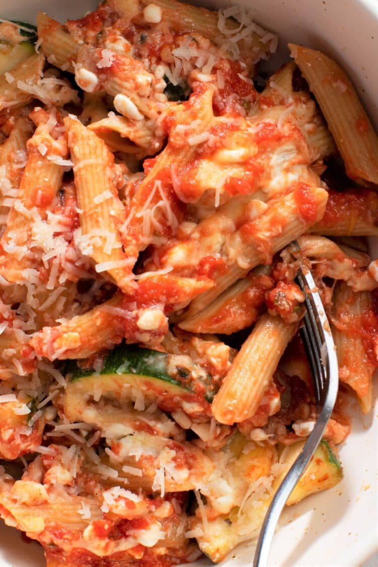 Who needs baked ziti with a slow cooker recipe this easy?!