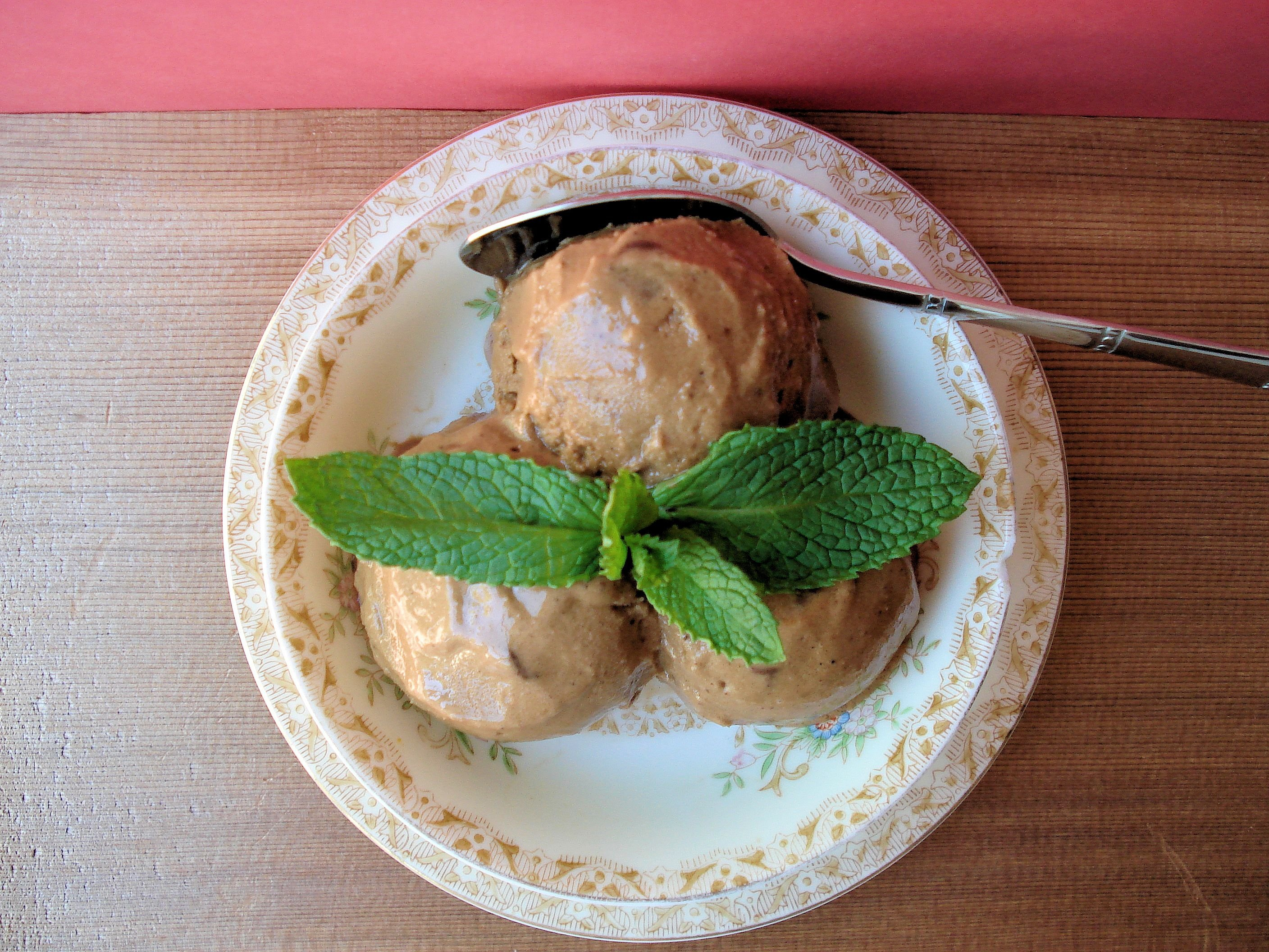 Chocolate Mint Tea Ice Cream