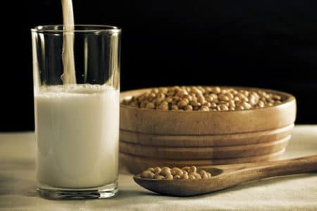 Ditching Your Dairy – 4 Alternatives to Milk