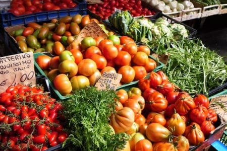 E-I-E-I-Oh! Farmers Markets Bring Locally Grown Produce Home
