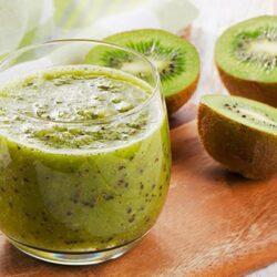 Green Tea Kiwi-Berry Smoothie