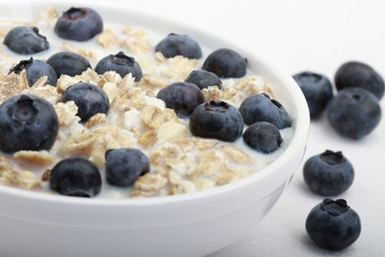 oatmeal blueberry protein panckaes