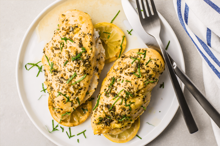 6 Tasty Slow Cooker Recipes that are Actually Perfect for Warm Weather Evenings Greek Chicken