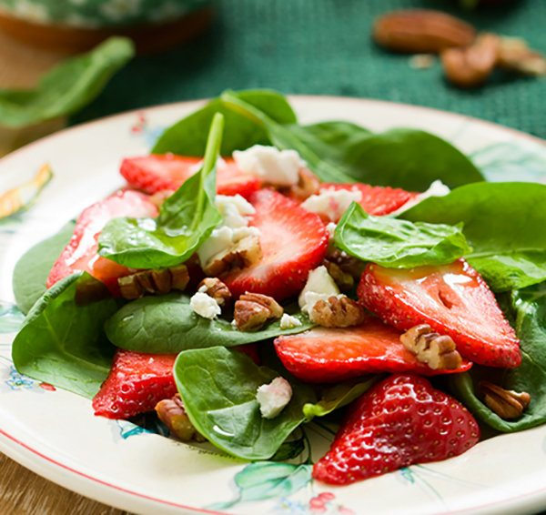 strawberry spinach salad1