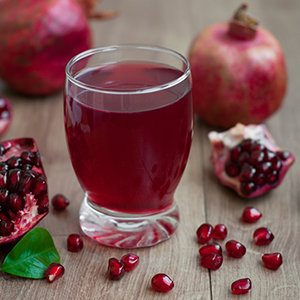 Pomegranate Juice Slow Juicer : Sparkling Pomegranate Juice