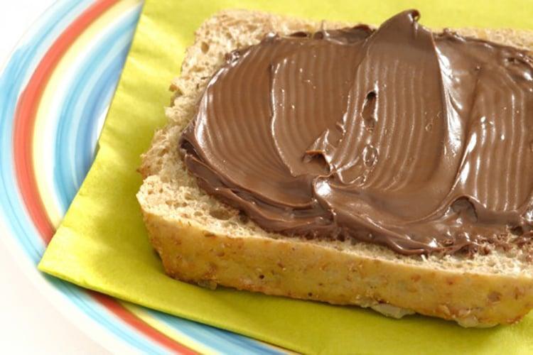 Skinny Nutella Spread - The Healthier Version