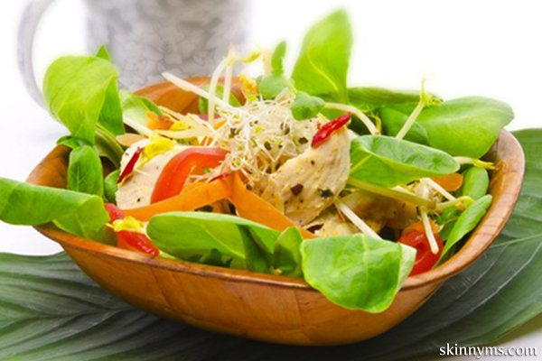 Garden Salad with Lemon and Oil Dressing