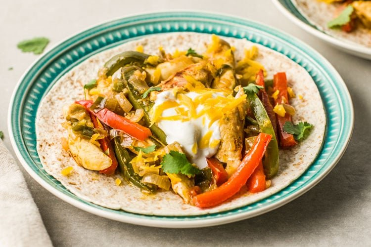 These skinny chicken fajitas are perfect for the Mexican food lovers of the world and diabetic-friendly.
