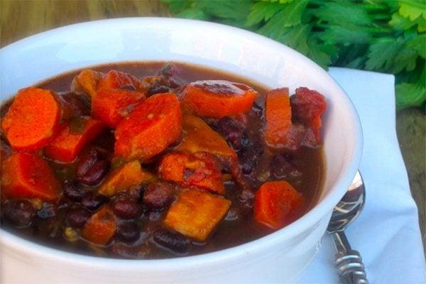 Slow Cooker Black Bean & Veggie Soup