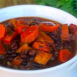 Slow Cooker Black Bean & Veggie Soup