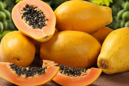 The Top 5 Healthy Reasons to Pick Papaya