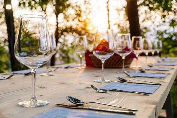 4 Ways to Be a Good Guest When You Have Food Limitations