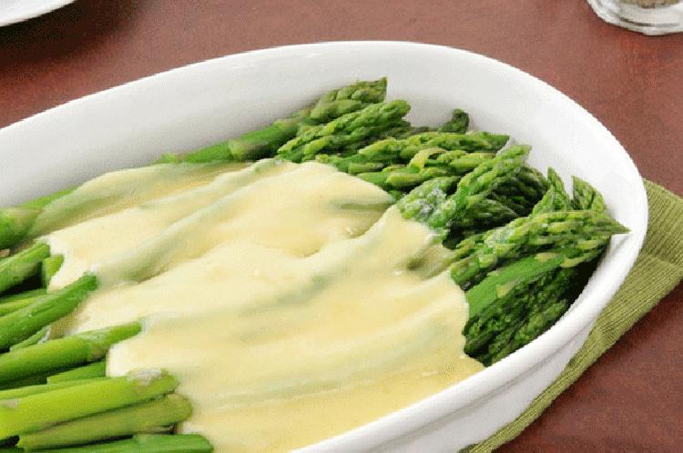 "Lemon ""Hollandaise"" Sauce Over Blanched Asparagus"