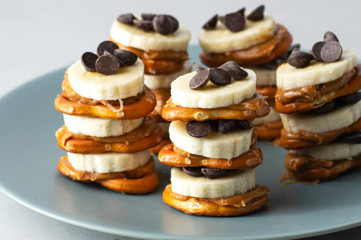 Dig into our yummy and super easy snack pretzel stacks!