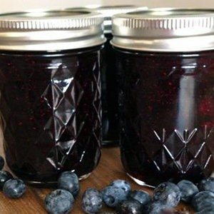 Clean Eating Blueberry Jam