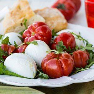 Tomato, Mozzarella and Arugula Salad