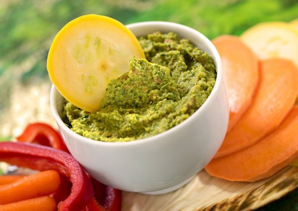 Green Pea, Parsley, and Pistachio Dip
