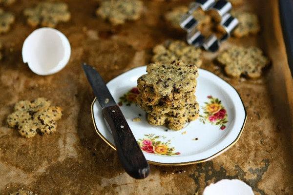 Black Quinoa Cookies