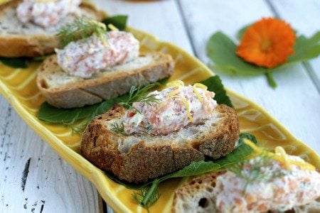 Smoked Salmon and Ricotta Crostini Recipe