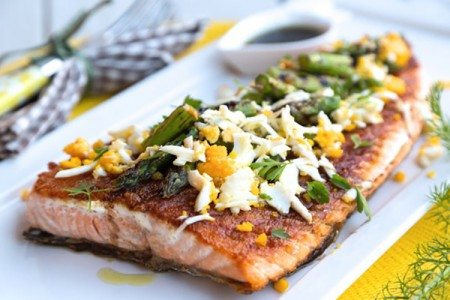 Grilled Salmon & Asparagus With Grated Egg