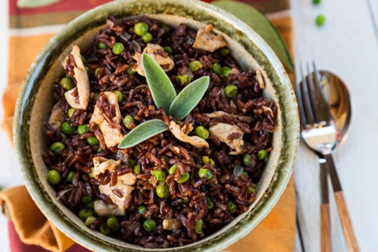 Sautéed Rice with Peas and Chicken