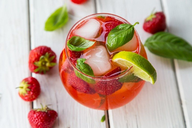 Strawberry, Lime & Basil Smash Drink