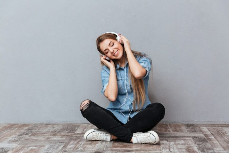 15 Ways to De-Stress During the Day - Listen to Music!
