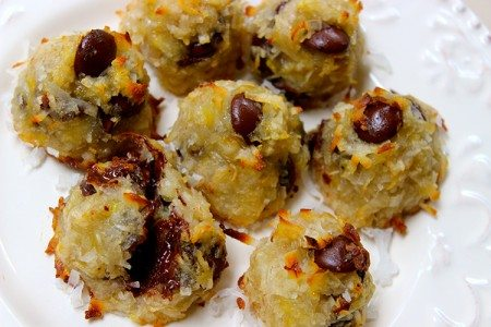 3-Ingredient Chocolate Chip Macaroons