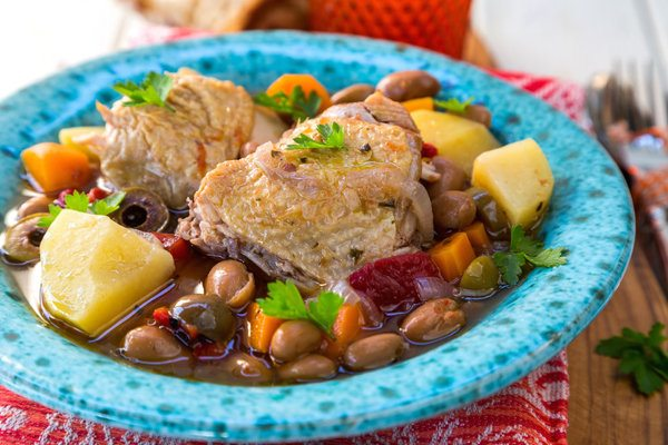 Slow Cooker Healthy Chicken and Bean Stew Recipe