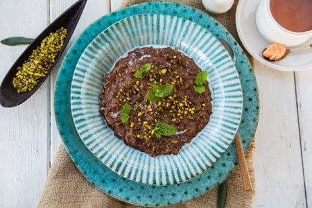 Slow Cooker Chocolate and Pistachio Oatmeal