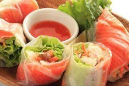 Fresh Spring Rolls with Smoked Salmon