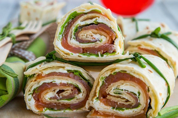 Smoked Salmon and Arugula Rolls