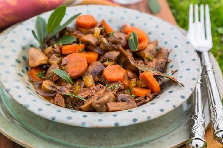 Slow Cooker Beef and Mushroom Casserole