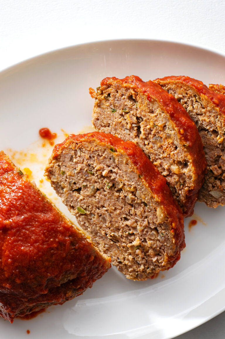 Dig into our slow cooker mexican meatloaf for a satisfying dinner!
