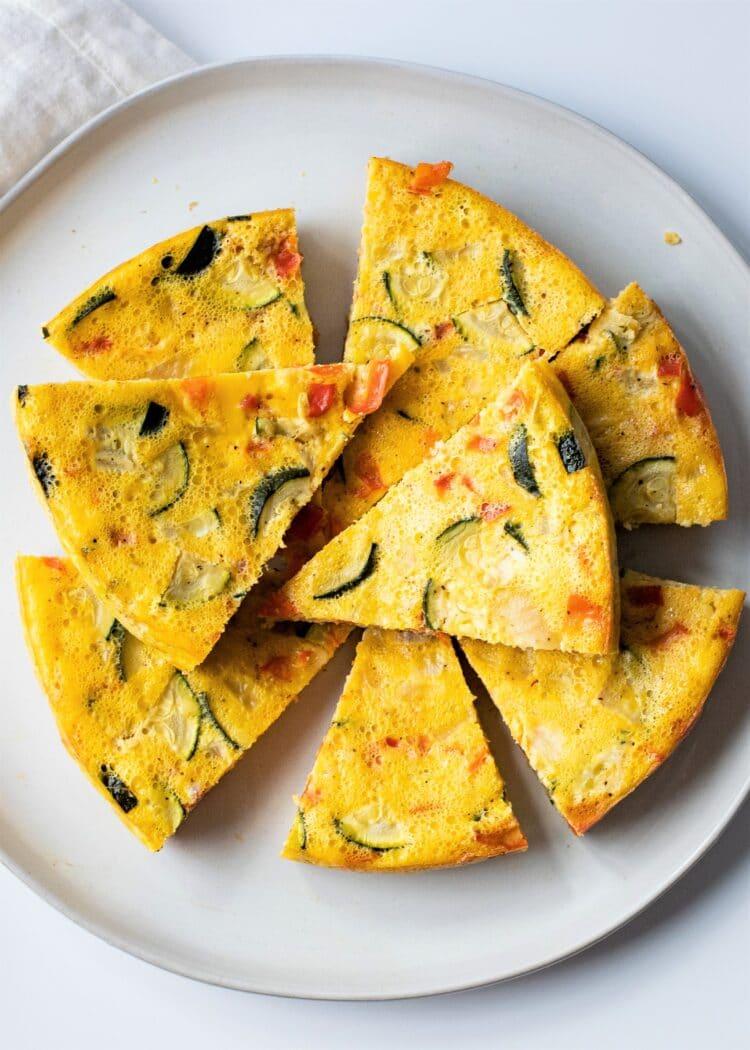 Make this tasty and easy slow cooker vegetable omelette for breakfast!