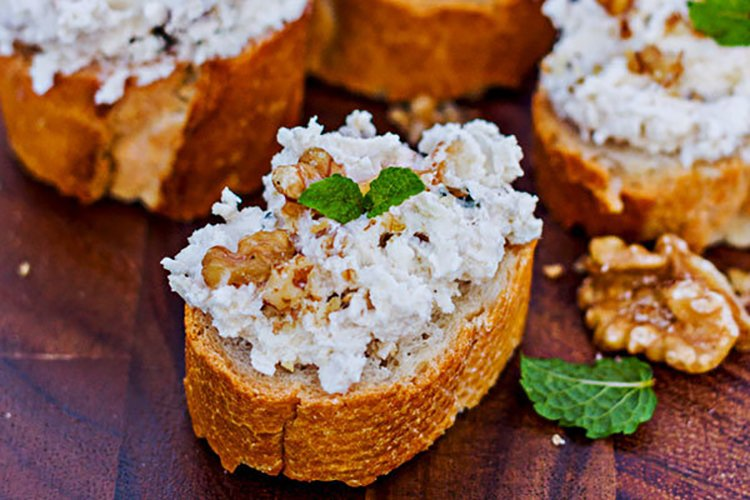 Crostini with Creamy Cheese and Walnuts