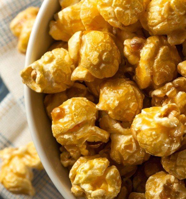 Caramel-Pumpkin-Spice-Popcorn-Recipe-e-Slider