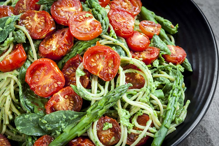Skillet Spaghetti with Spinach and Tomatoes