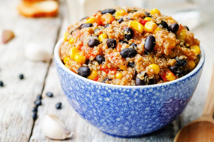 Black Bean and Quinoa Chili Bowl