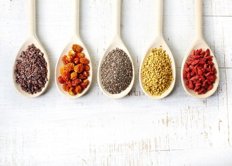 10 Amazing Benefits and Uses Of Raw Honey5