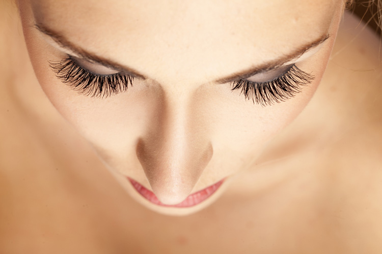 10 Clever Makeup Tricks1