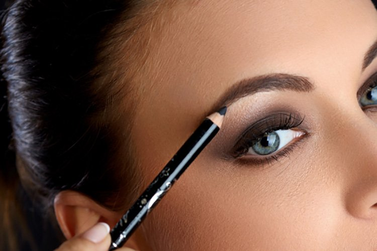 4 Eye and Eyebrow Tips for Brides23