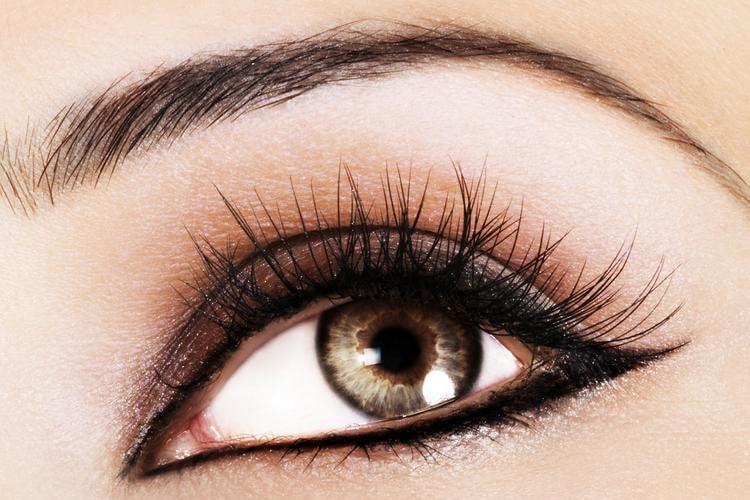 4 Makeup Tricks To Make Your Eyes Pop1