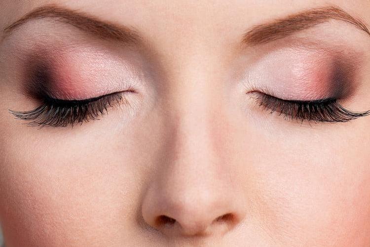 4 Makeup Tricks To Make Your Eyes Pop2