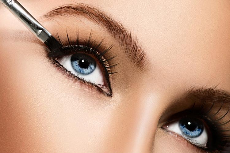 4 Makeup Tricks To Make Your Eyes Pop3