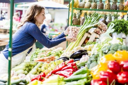 7 Ways to Eat Clean on the Road
