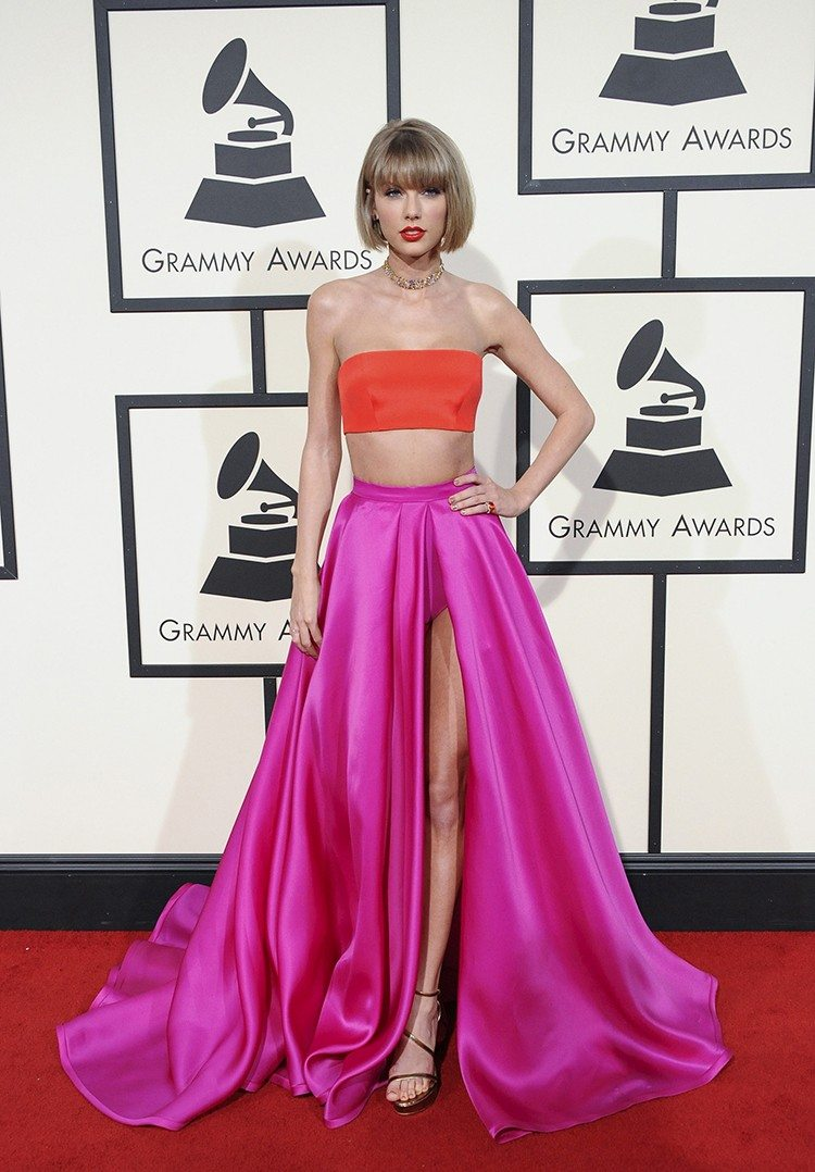 Get Taylor Swift's Look for Less11