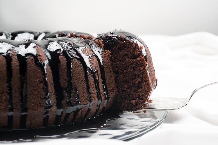 Clean Eating Chocolate Bundt Cake