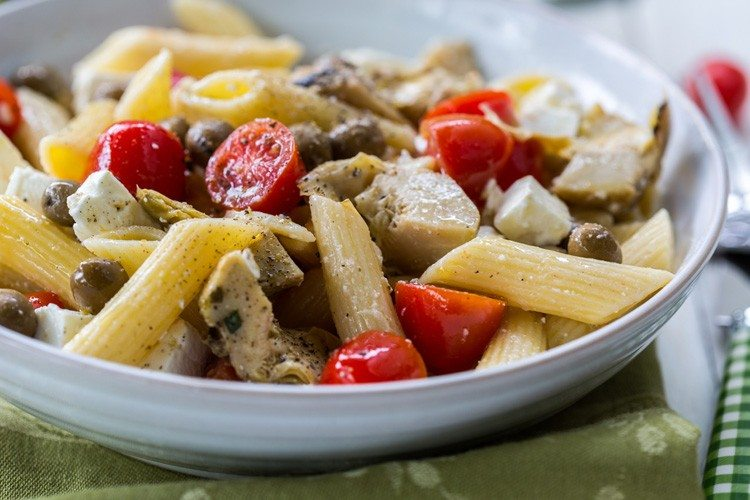 6-Ingredient Greek Pasta Salad4